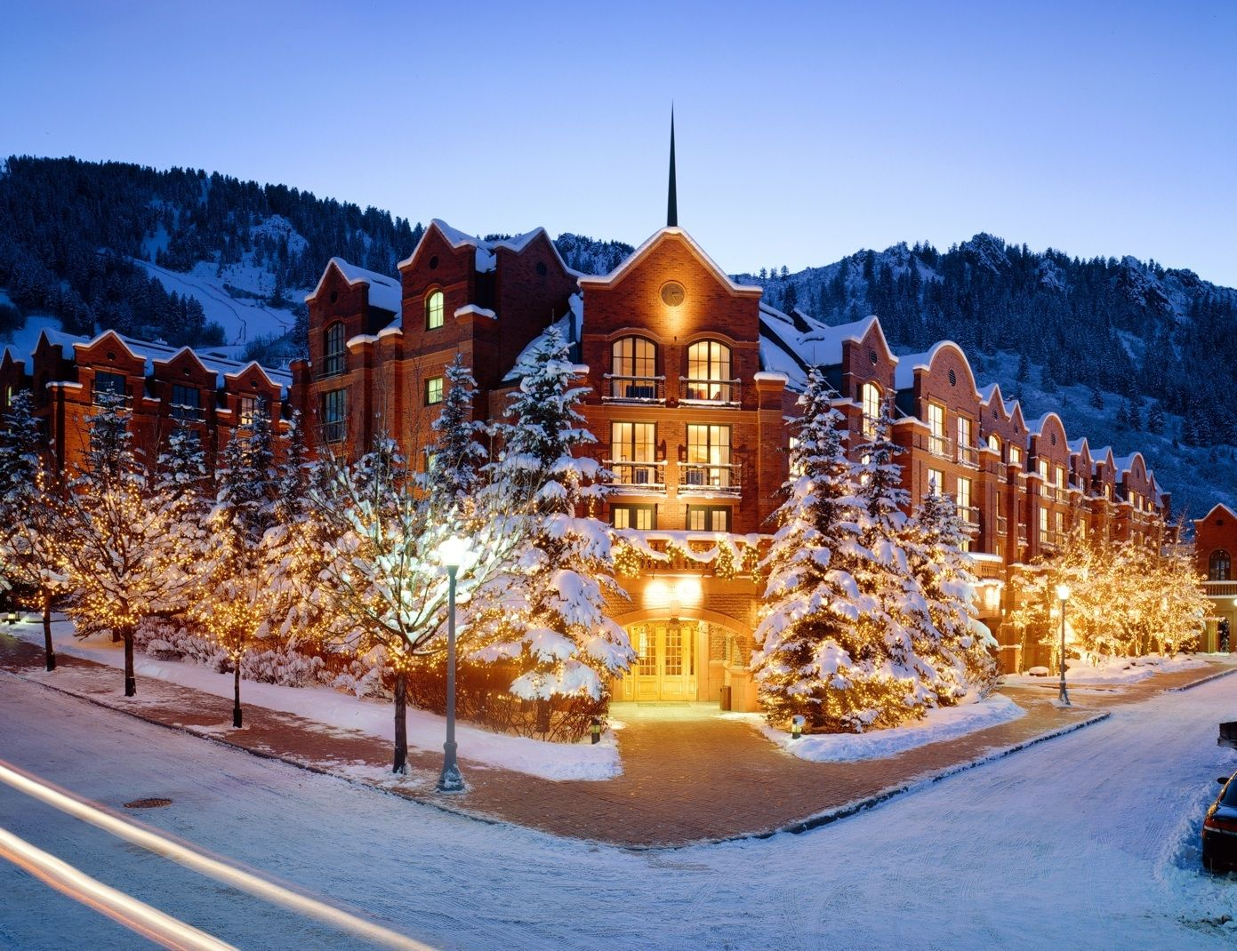 Top 10 Destinations For Adventurous Families With Images Aspen Resort Ski Hotel Best Ski Resorts