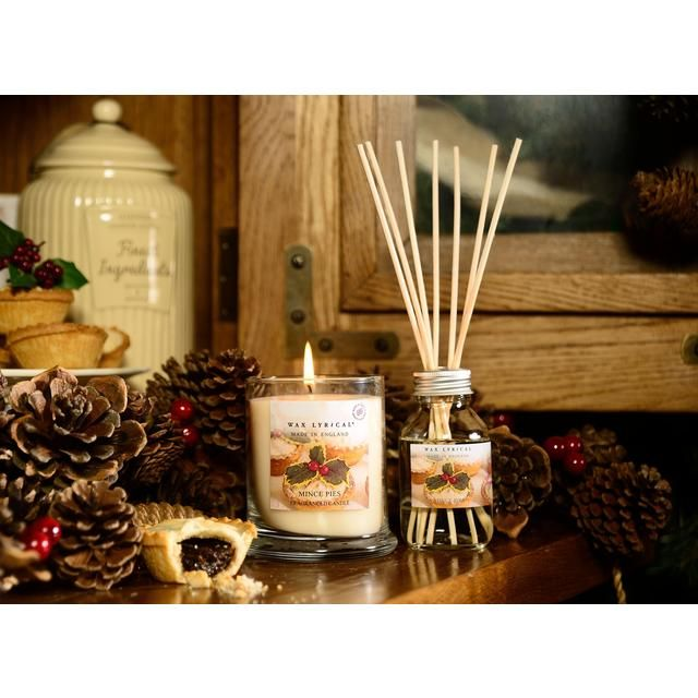 Fill the house with the smell of Christmas baking (without even turning the oven on) with Wax Lyrical's Mince Pie scented candle in a jar.