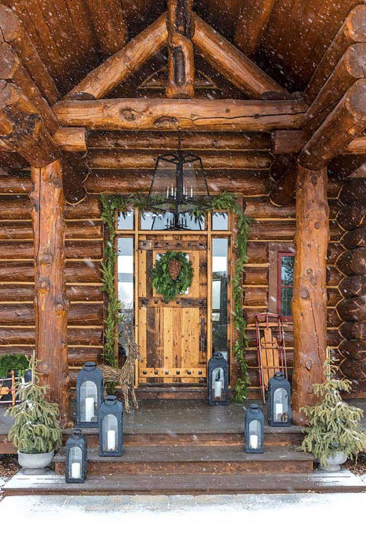 Photo of Wyoming log cabin gets beautifully decked out for the holidays