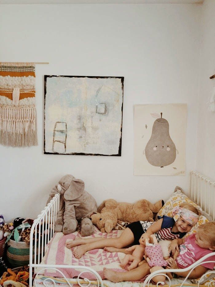 the wiegands lately in photos children 39 s bedrooms pinterest chambres roses om et roses. Black Bedroom Furniture Sets. Home Design Ideas