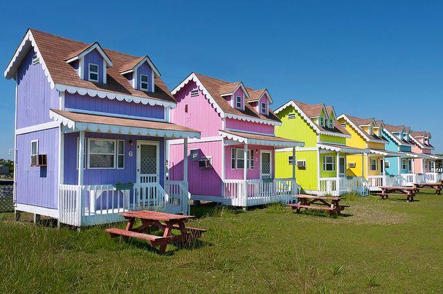 hatteras cottages coastal theme home tours tiny house tiny rh pinterest com