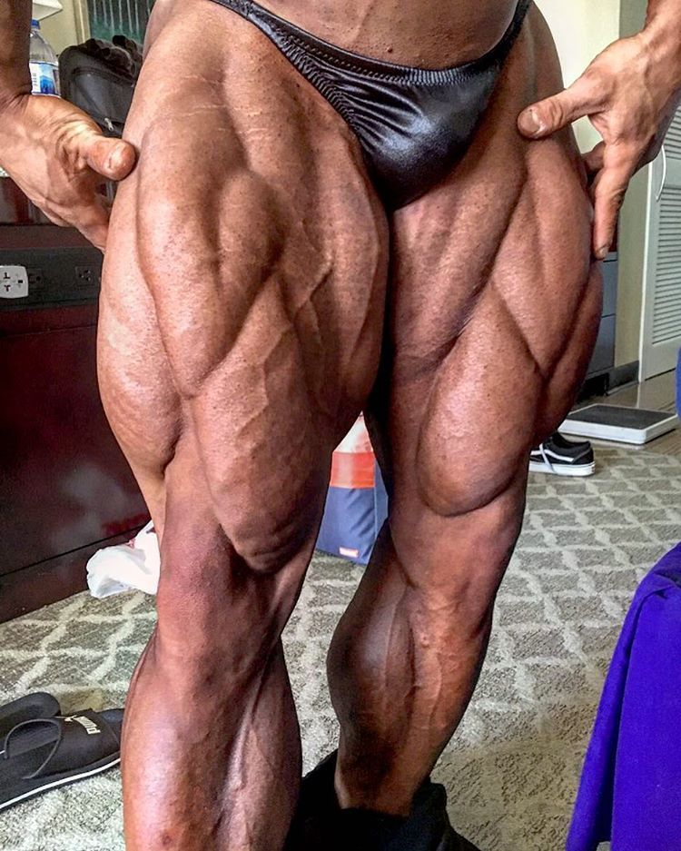 Nicolas Vullioud IFBB PRO 💥 Legs shot, a few hours before stepping - fresh arnold blueprint training review