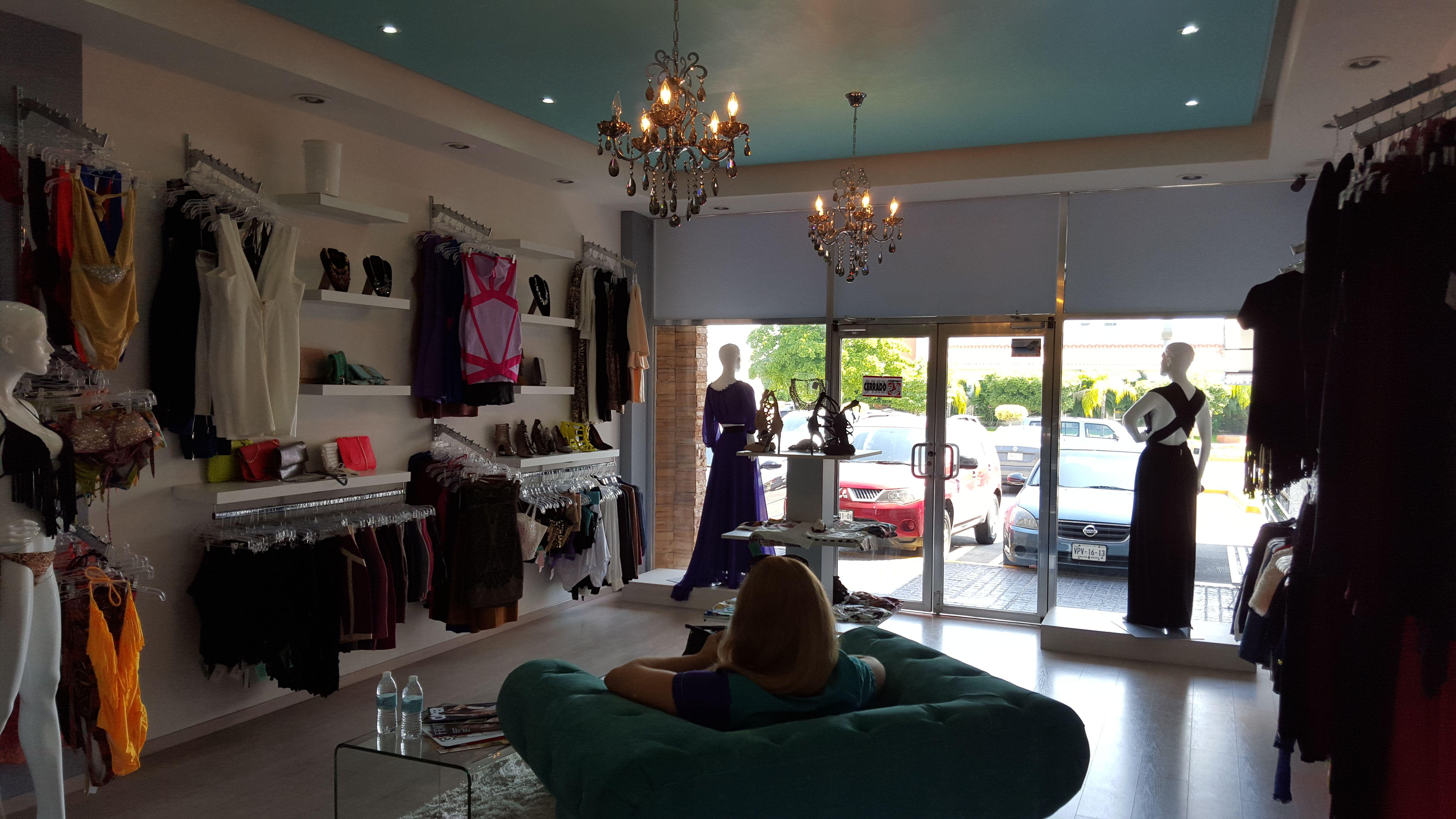 9f3da2bbcd54 Diseño y acomodo de tienda de ropa para dama | Alejandro Ibarra ...