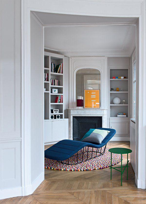 Un petit salon blanc aux touches color s haussmannien - Plan appartement haussmannien ...