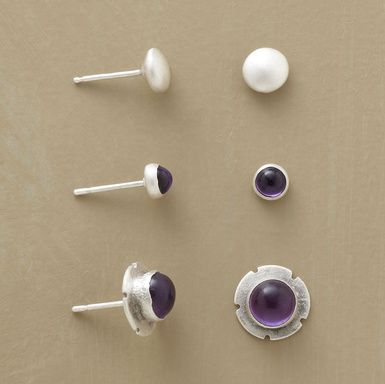 Cute and simple purple jewelry for the game :)