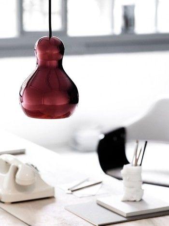 デスクの上にひょうたんが なんとも愛らしいペンダントランプです ランプ ひょうたん ペンダントライト
