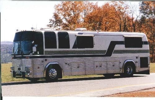 1984 Prevost Liberty Conversion Interior Features Carpet