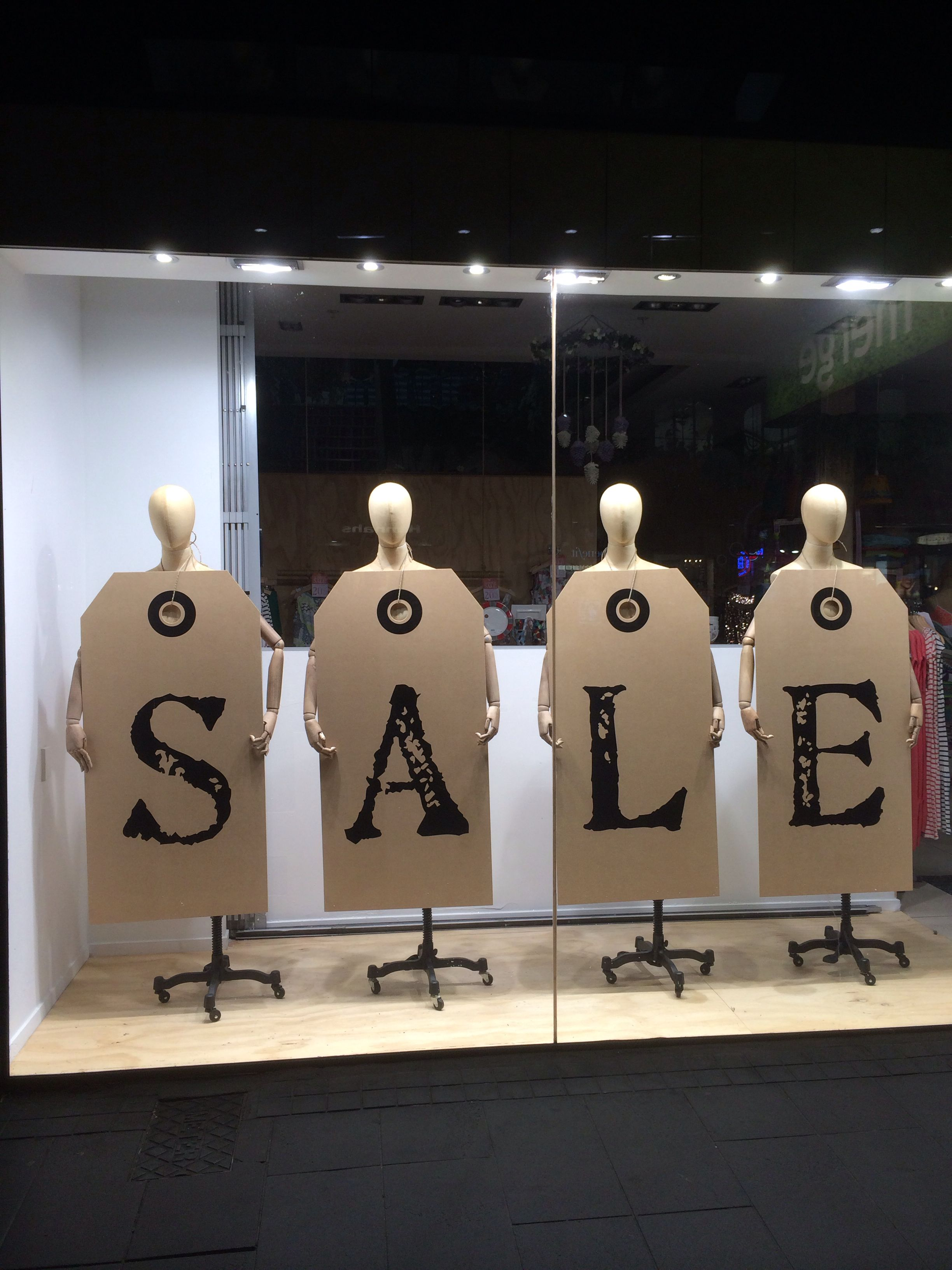1253eb465b9 5 Visual Merchandising Trends to Watch Out for in 2014 - | sale ...