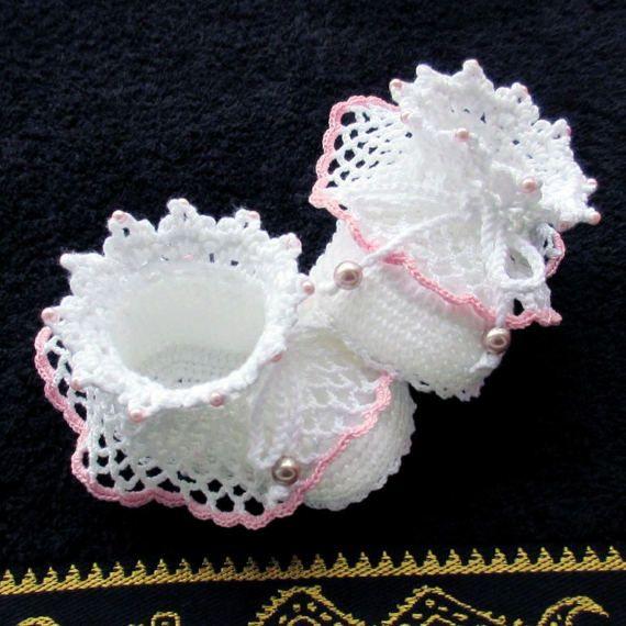 Crochet white shoesCrochet Christening shoesCrochet baby | myriam ...