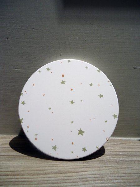 寧靜星空//吸水陶瓷杯墊//墨綠星星在白色天空 - LUCKY DEER | Pinkoi