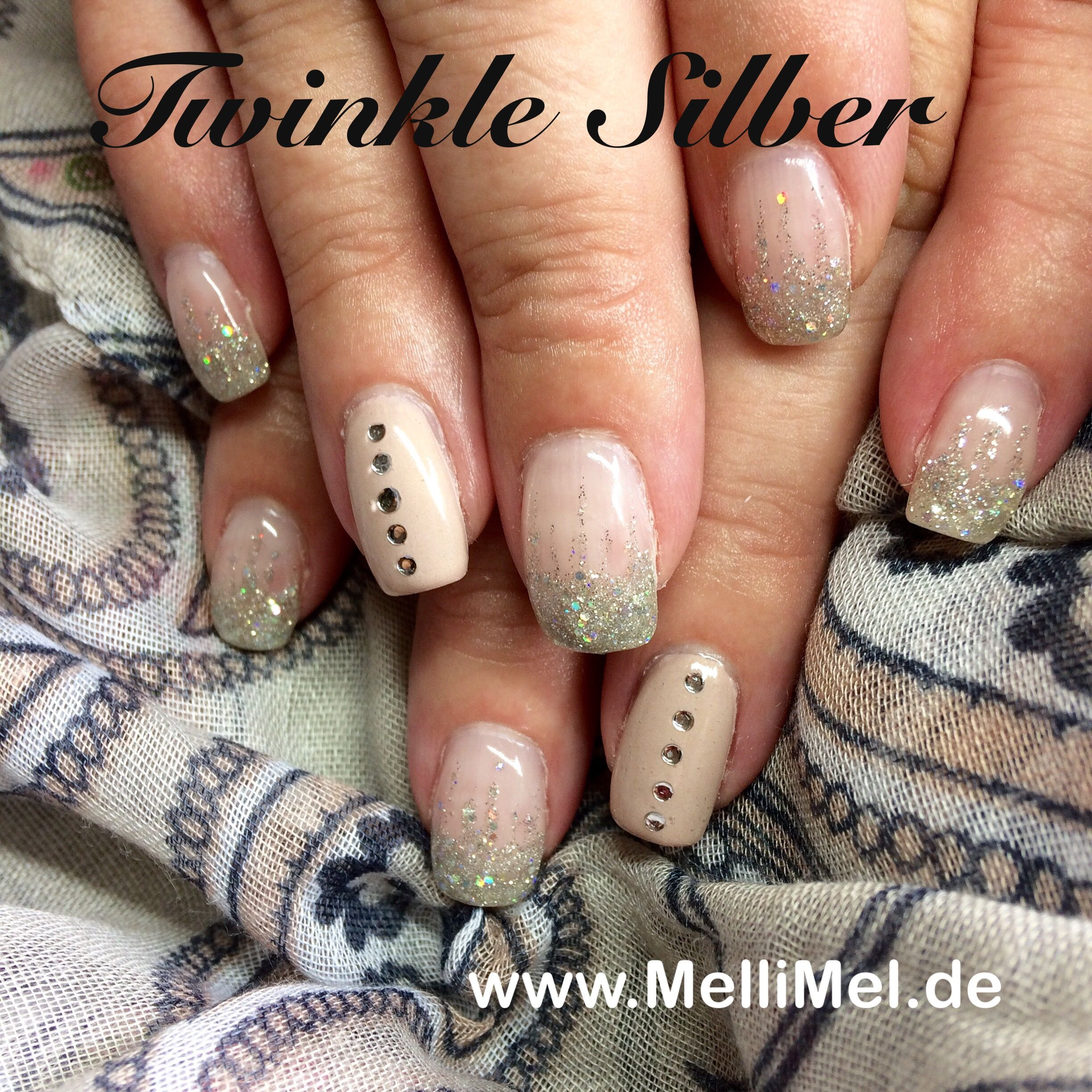 Nailart Nageldesign in nude mit glitzer | Nailart by MelliMel ...