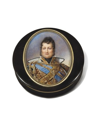 AN OVAL PORTRAIT MINIATURE ON IVORY OF LOUIS-PHILIPPE MOUNTED ON A GOLD-LINED TORTOISESHELL BONBONNIERE.