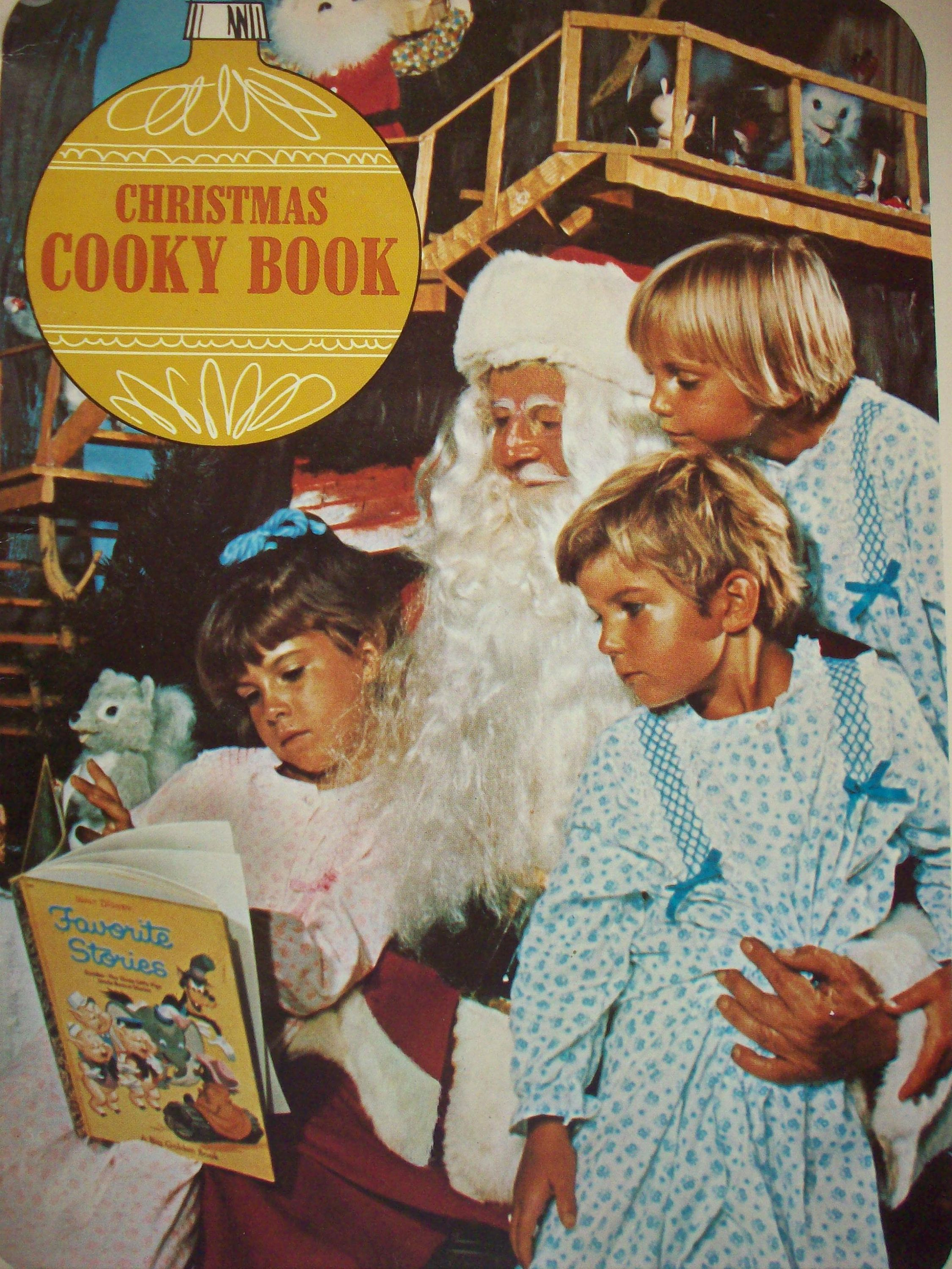 This Christmas Cooky Book Was Put Out By Commonwealth Edison Electric Company In 1970 It Has 40 Pages And Is Great Condition