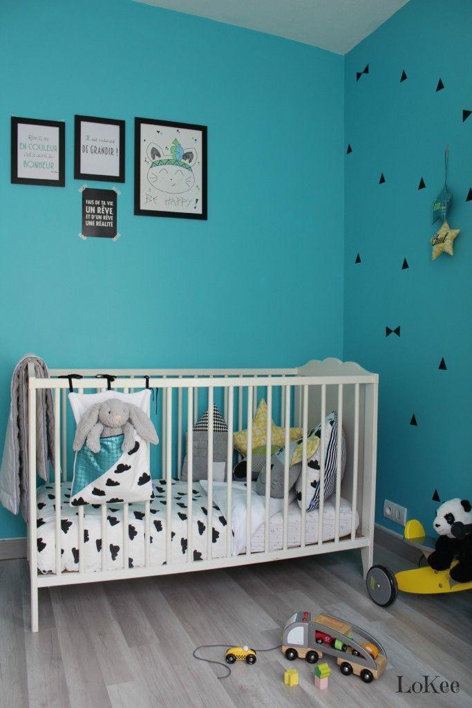 Déco chambre noir, blanc et turquoise.