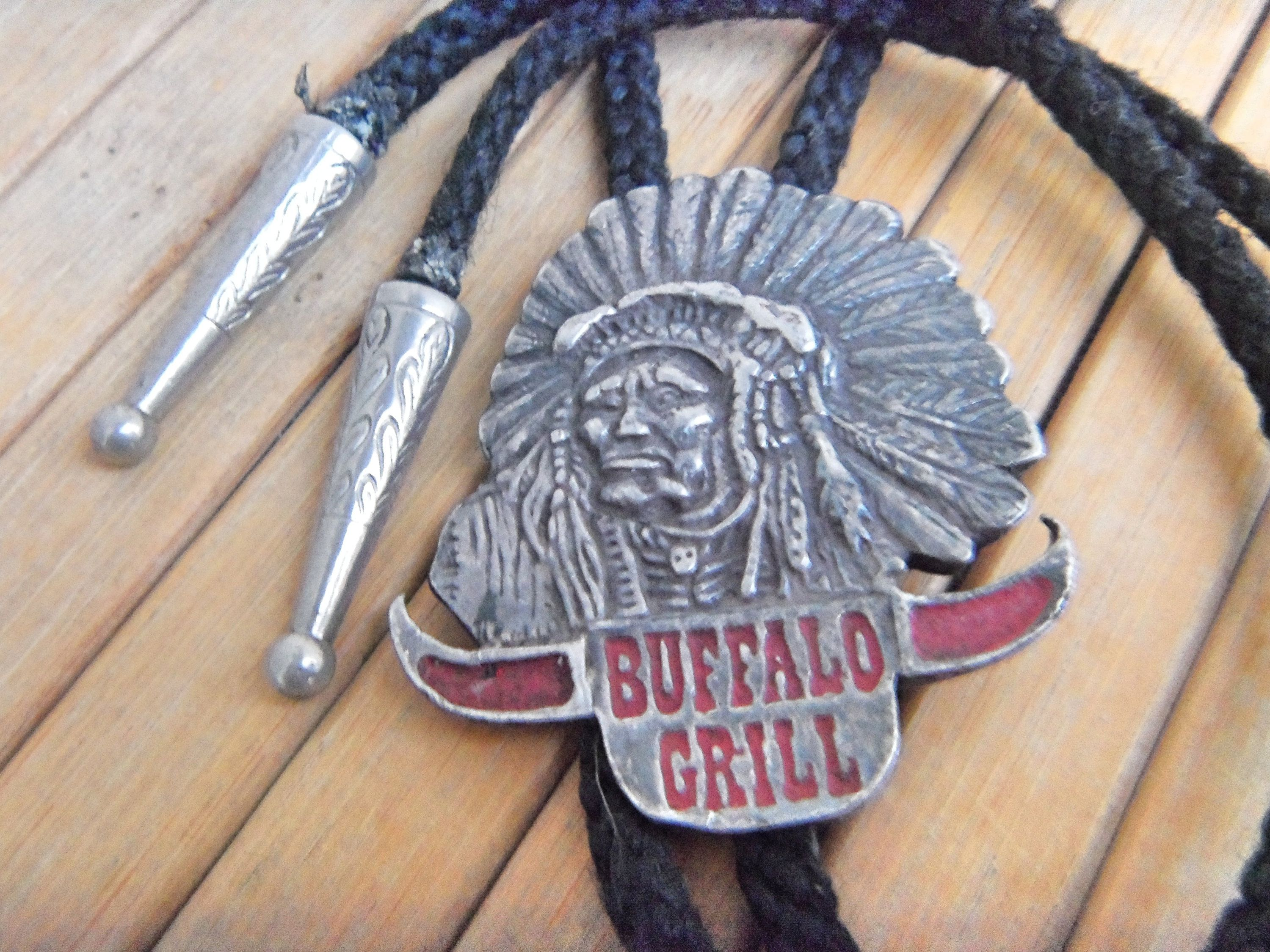 Montana Silversmiths Mens New Traditions Four Directions Cross Bolo Tie Bt26-855