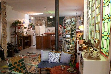 Le Cafe Curieux Voyage Dans Un Autre Temps Rive Gauche 5eme Cafe Cabinet De Curiosite Paris
