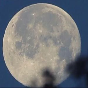 Summer Solstice Full Strawberry Moon Appear Together in Rare Appearance