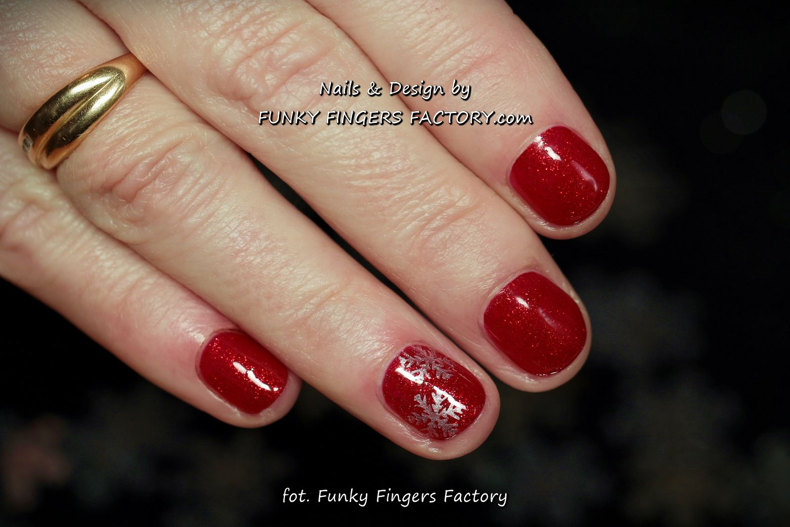 Gelish Red Glitter Snowflakes on short nails by www.funkyfingersfactory.com