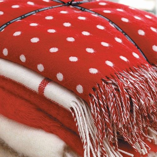 Red and white blankets...