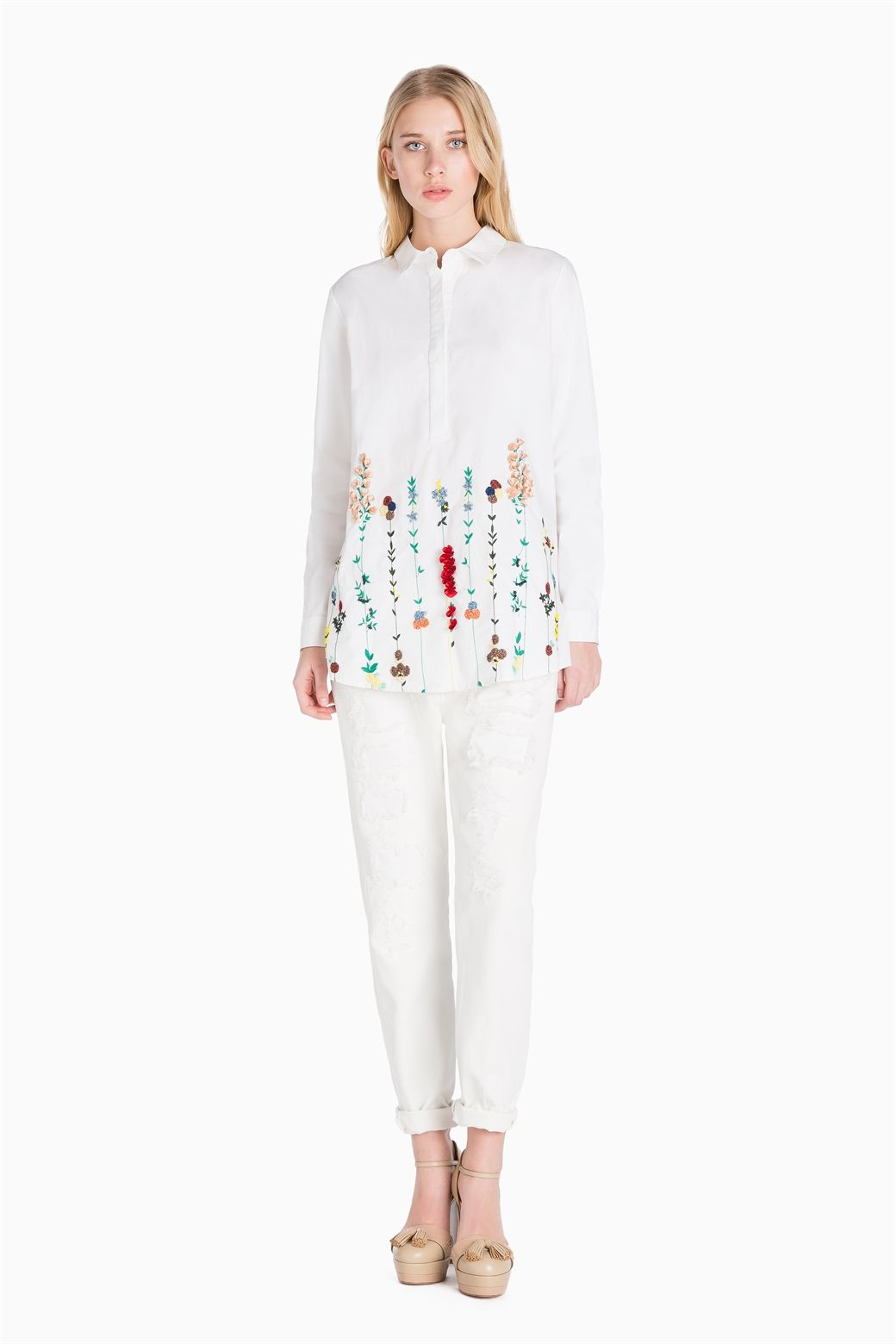 www.twinset.com en-GB embroidered-shirt--p8337?s=S&c=5