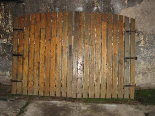 Porton de madera 700 00 casa de campo puertas de for Puertas de madera para casas de campo