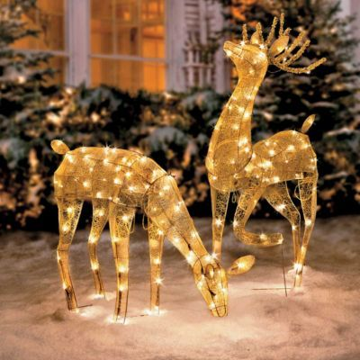 gold mesh lighted reindeer kitthese would look beautiful even without the snow