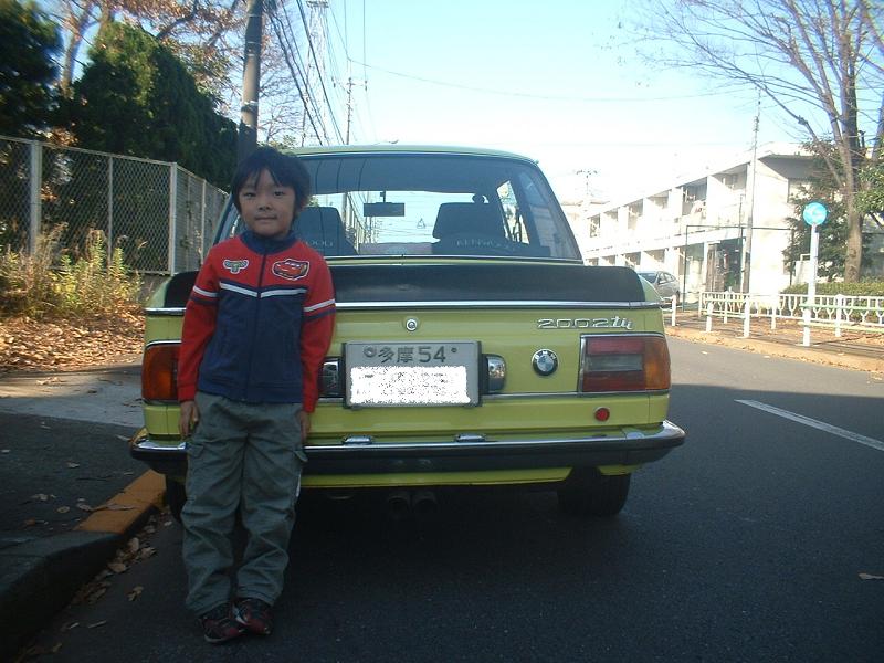 ≪NO.0121≫  ・ニックネーム  マルニ     ・メーカー名、車種、年式  BMW2002tii、75年式     ・アピールポイント  初任給を頭金に購入して四半世紀が経ちました。最近は改造するよりメンテナンス重視です。まだまだ現役で足代わりとして重宝していますが所さんのプリンスの様に最新のエンジンと足回りが欲しいです。あと10年乗ったら息子へ託しますか。