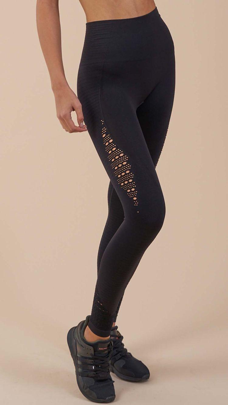 3d7ab8692dbd6 Seamless hip push up high waist leggings #fitness clothes #running clothes  #workout clothes #yoga leggings #high class fitness clothing #yoga  inspiration ...