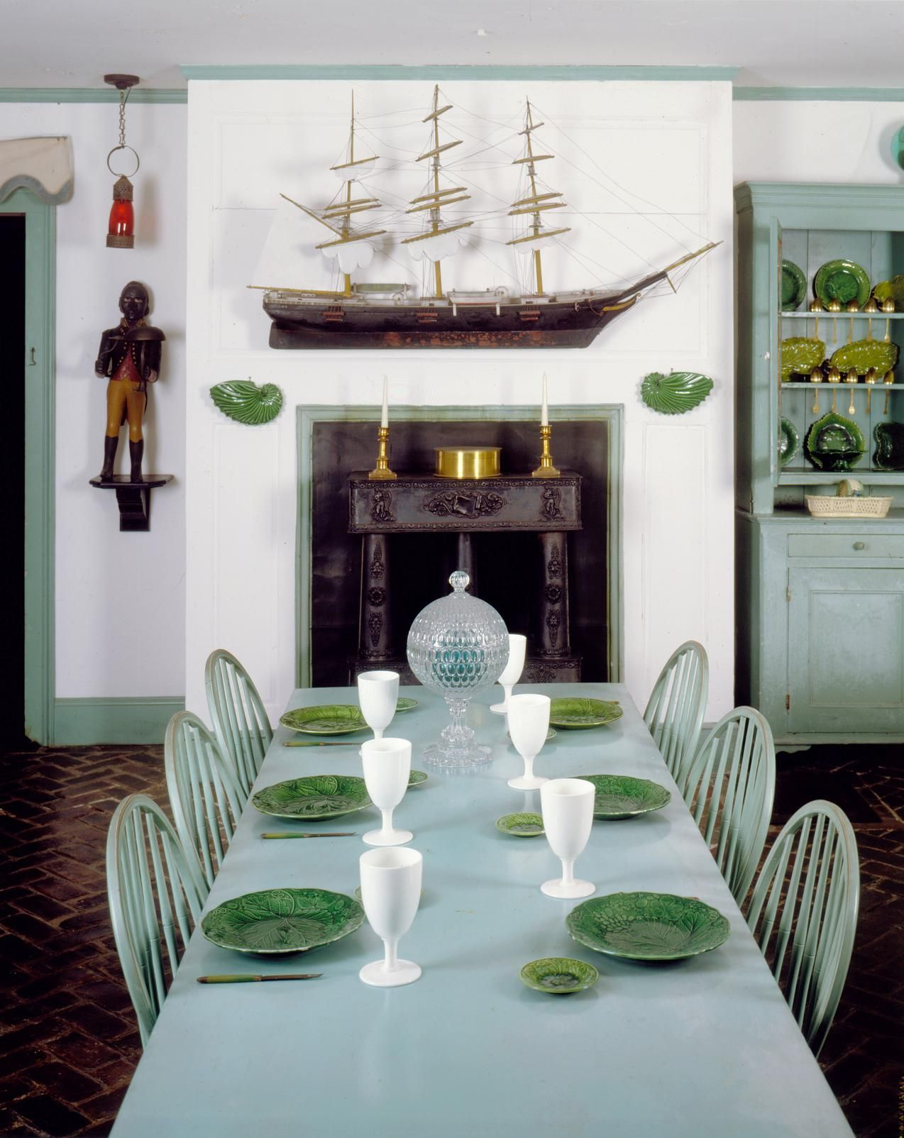 The Cultish Home That Draws Fans Of Americana Design With Images Nautical Dining Rooms Dining Room Decor Beauport