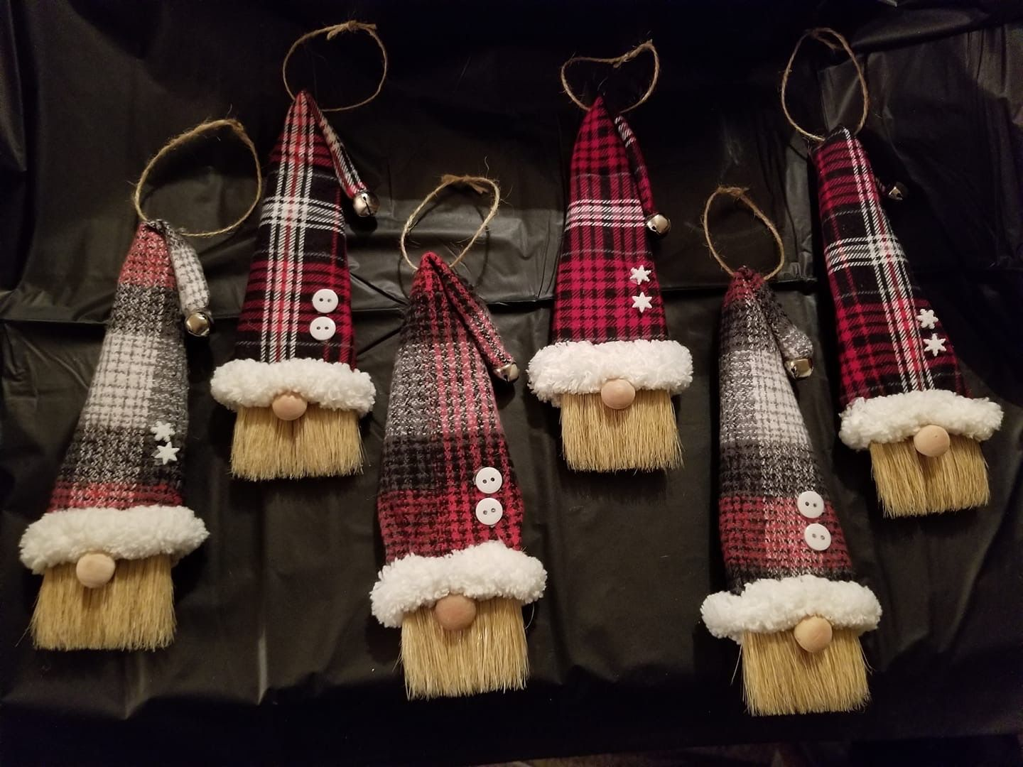 Paintbrush gnomes Christmas crafts for gifts, Christmas