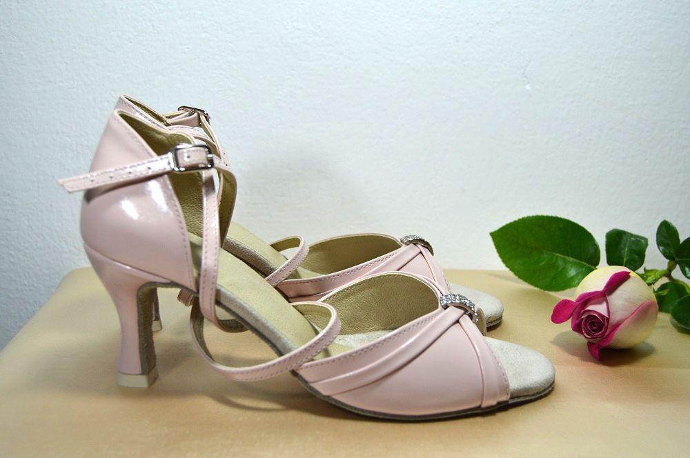 a0fe829ec8 Růžověpudrové svatební boty - celokožená obuv taneční styl. Ružovopudrové  svadobné topánky - celokoženná obuv v