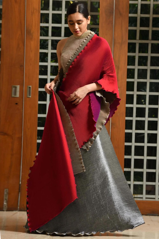 Buy Pleated Lehenga Set By Kiran Uttam Ghosh At Aza Fashions In 2020 Designer Saree Blouse Patterns Fashion Indian Bridal Wear