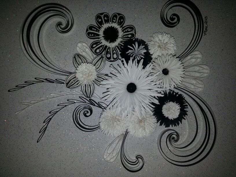 Black white quilling