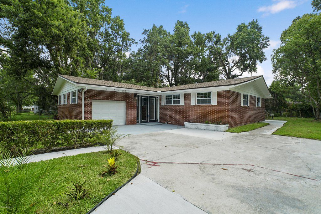 Home For Sale At 6137 Cypress Inn Dr Jacksonville Fl 32209