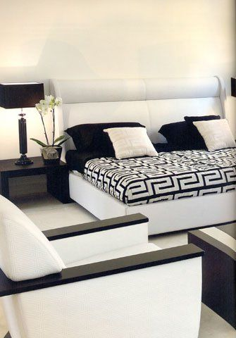 Bedroom by Versace: The strong visual impact of the ...