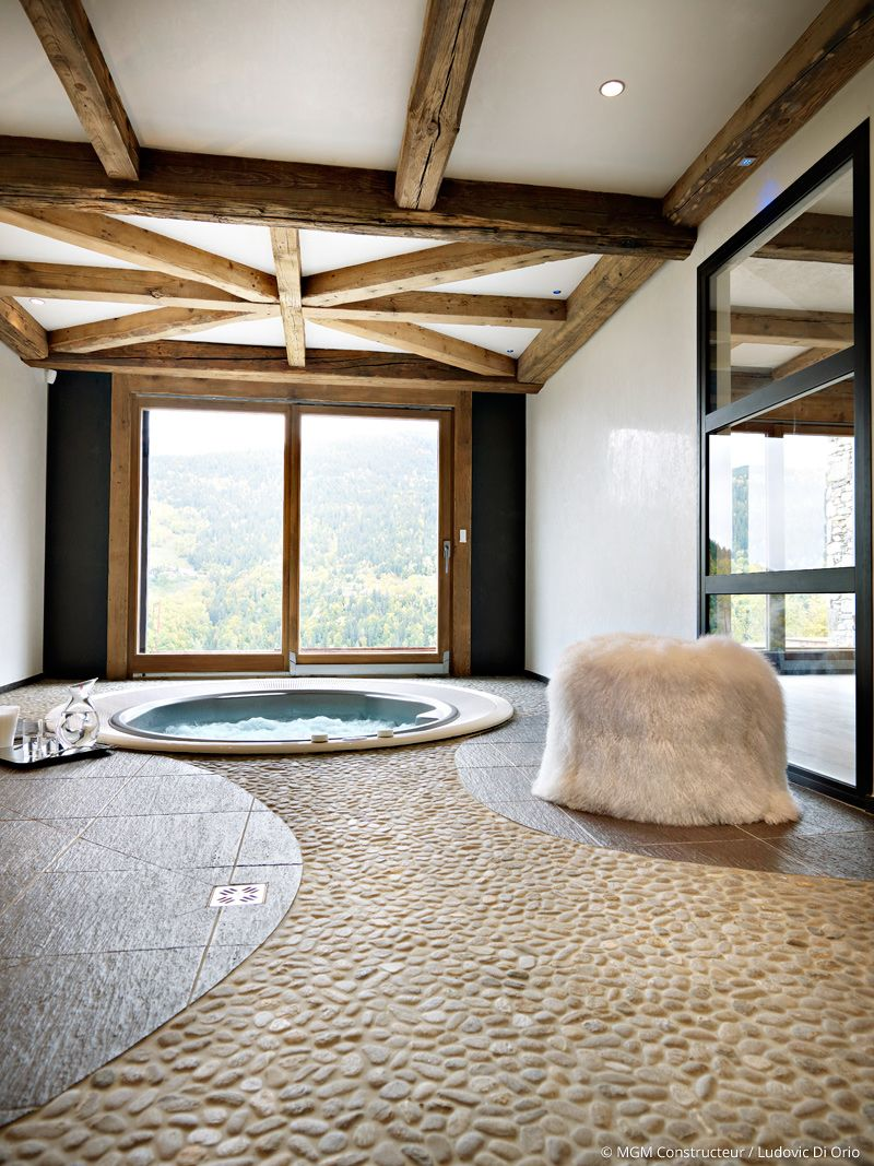 chalet m ribel savoie france luxe raffinement jacuzzi int rieur d coration bois et. Black Bedroom Furniture Sets. Home Design Ideas