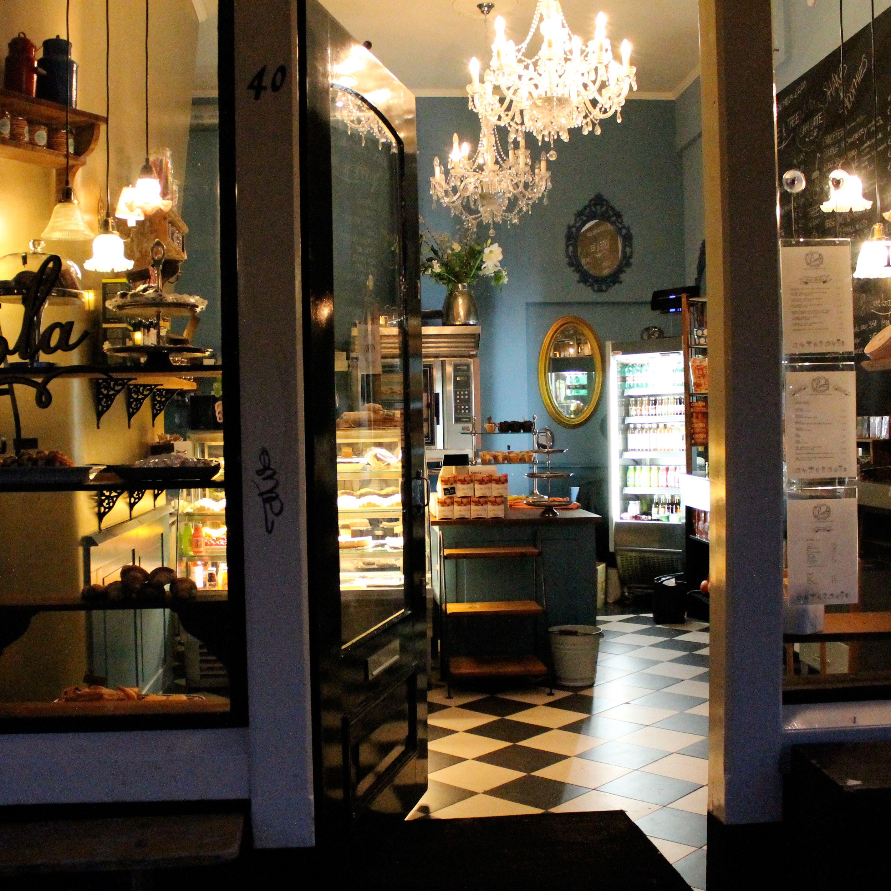 Shop Decoration: Interior Design For Bakery Shop In Amsterdam.
