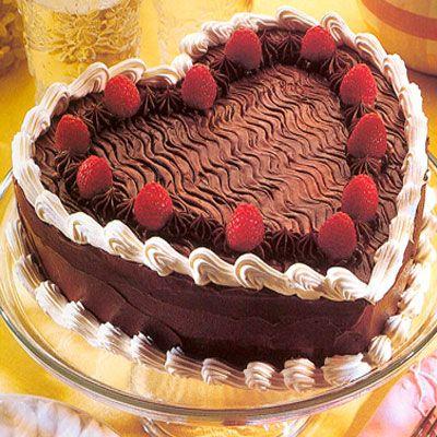 Heart Shape Black Forest Cake 1 Kg Just Rs 650 Cakes Pinterest