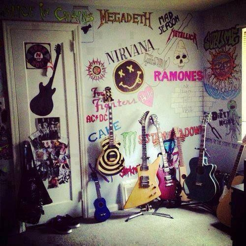 Tumblr bedroom music bunk bed google search room ideas for Bedroom ideas emo