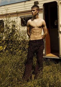 Korean male stars nude photos