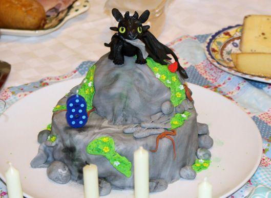 Ohnezahn Torte Drachenzahmen Ganz Leicht Gemacht Und Kinderzahmen