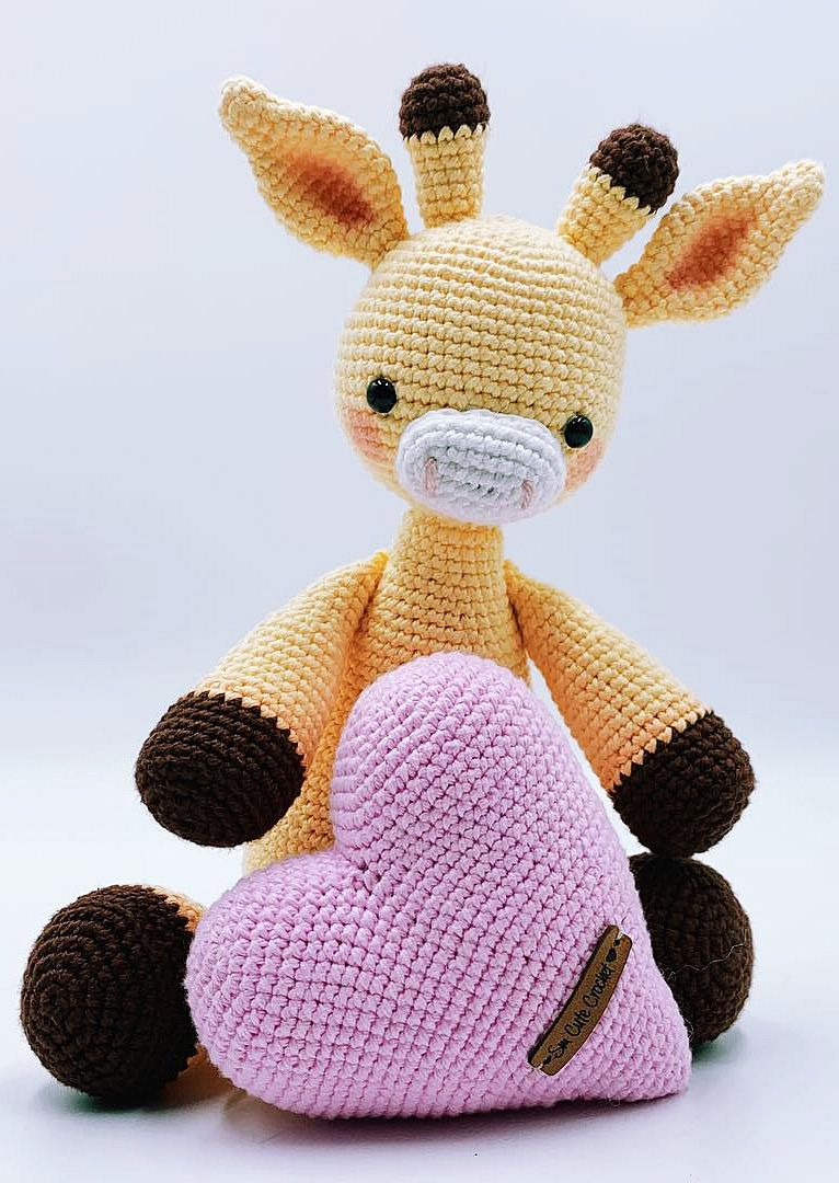 Amigurumi doll with a mouse costume. Do you like this design? For ... | 1080x766