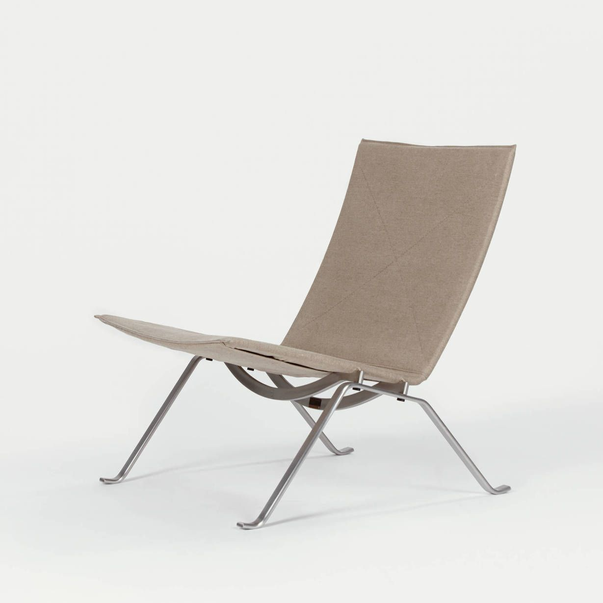 PK22 Lounge Chair  Natural Canvas  WHITE ON WHITE