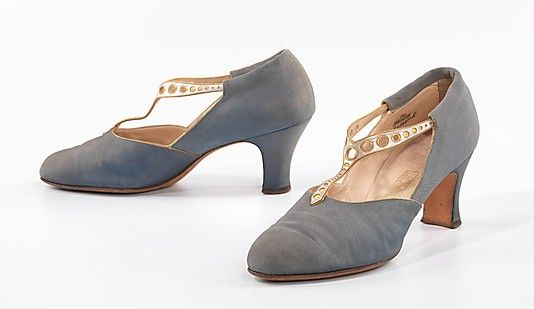 eeaa1facd5f12 Evening Shoes, FENTON Footwear 1924-25, American +++ The iconic ...