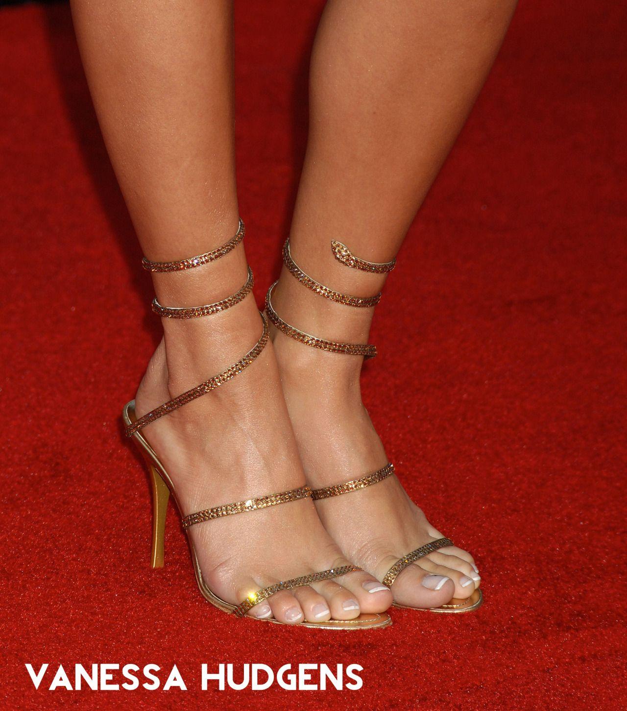 Torrie sandals foot pov