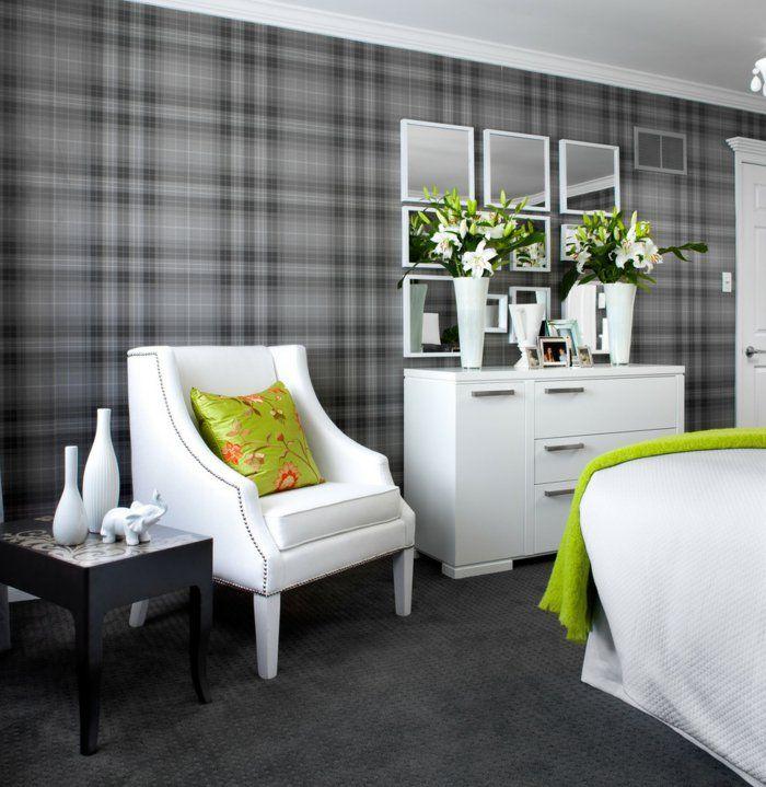 Wohnideen Schlafzimmer Graue Tapete Weiße Möbel Grelle Akzente