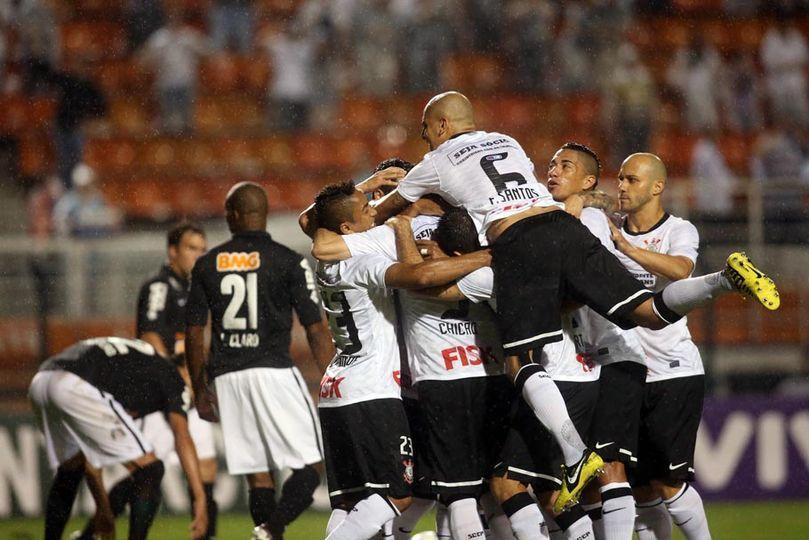 Corinthians 5 x 1 Coritiba