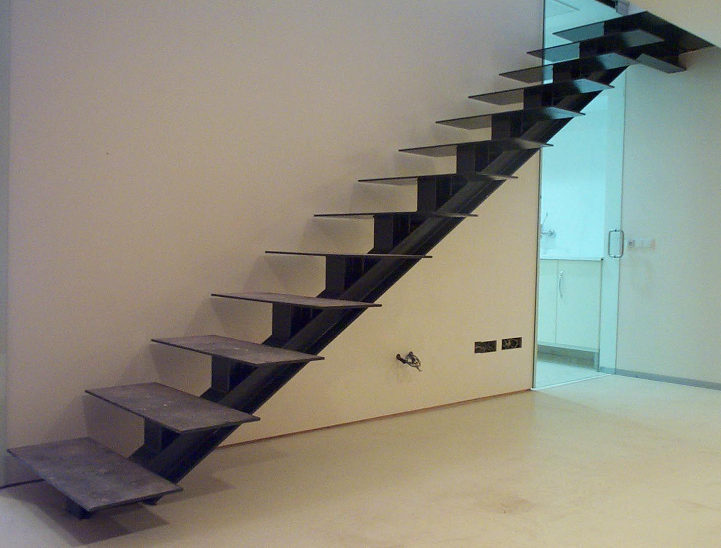 Escaleras de estructura de hierro buscar con google - Escaleras de hierro ...