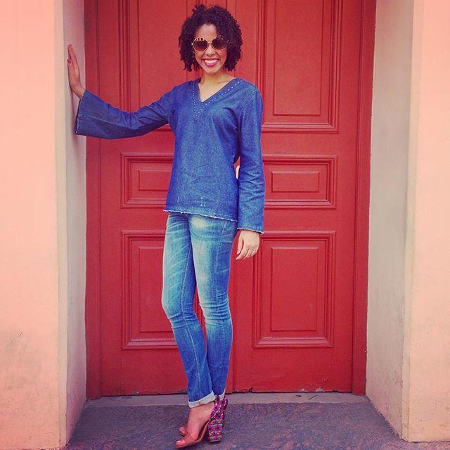 Será que eu gosto de jeans?! ❤️ ▃▃▃▃▃▃▃▃▃▃▃▃▃▃▃▃▃▃▃▃ #9as18 #workwear #workoutfit #workclothes #businesslook #businessclothes #businessfashion #roupasocial #roupadetrabalho #lookdetrabalho #looknotrabalho #lindanotrabalho #minspira #executiva #dresscodecorporativo #dresscode #lookdodia #ootd #fashion #instafashion #style #estilo #casualday #casualfriday #casual #alljeans #alldenim