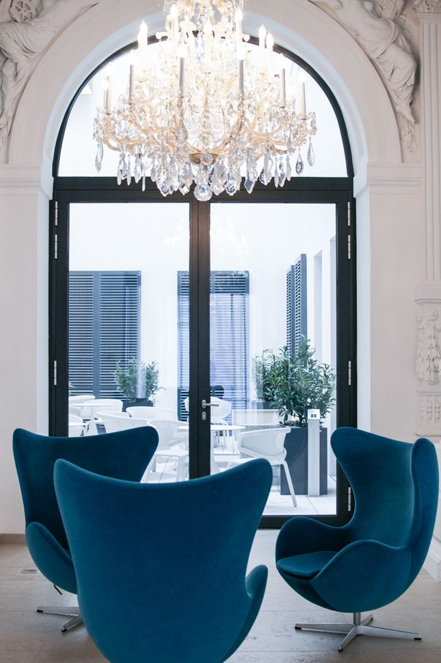 Hotel Tip Motel One At The Vienna Opera · Happy Interior